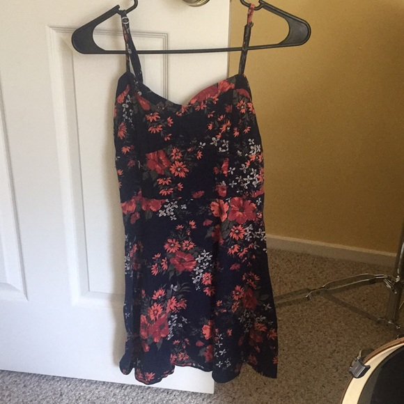 Aeropostale Dresses & Skirts - Floral mini dress with cutout detail on back